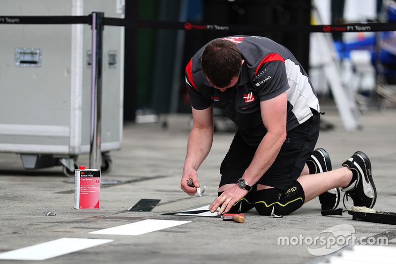 Vorbereitungen bei Haas F1 Team