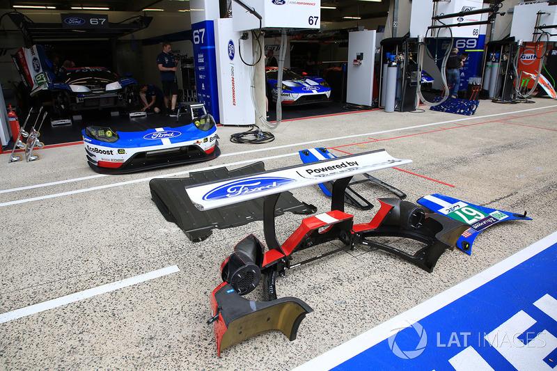 Автомобиль Ford GT команды Ford Chip Ganassi Racing