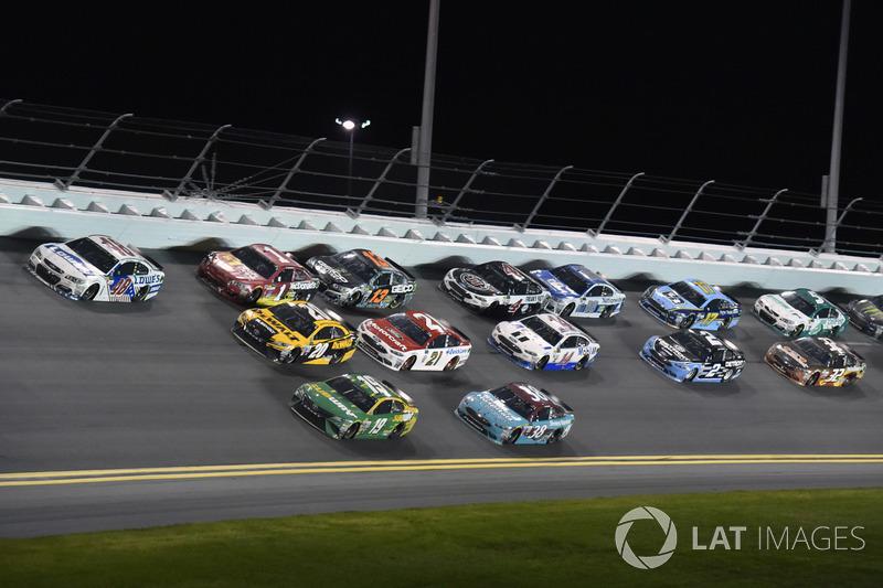 Jimmie Johnson, Hendrick Motorsports Chevrolet, Daniel Suárez, Joe Gibbs Racing Toyota, Matt Kenseth