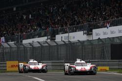#2 Porsche Team Porsche 919 Hybrid: Тимо Бернхард, Эрл Бамбер, Брендон Хартли, #1 Porsche Team Porsc