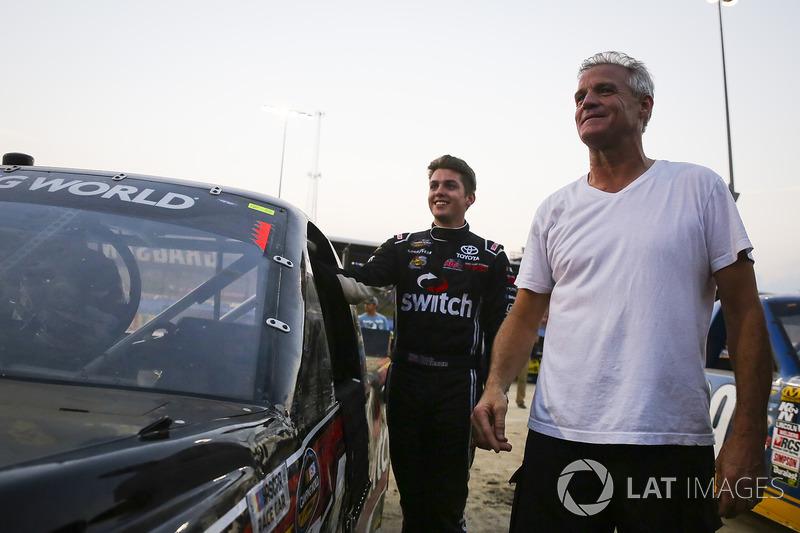 Noah Gragson, Kyle Busch Motorsports Toyota y Kenny Wallace