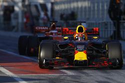 Max Verstappen, Red Bull Racing RB13, exits the pit lane ahead of Stoffel Vandoorne, McLaren MCL32