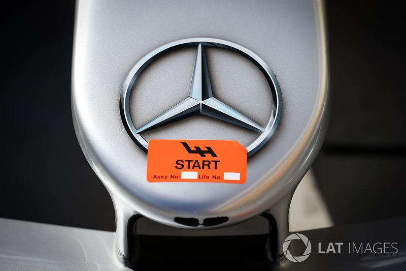 Ніс Mercedes-Benz F1 W08 Hybrid