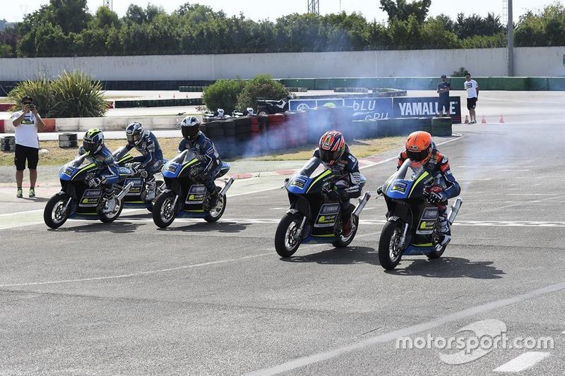 Гонка на мотоциклах MiniGP на картодромі Мізано