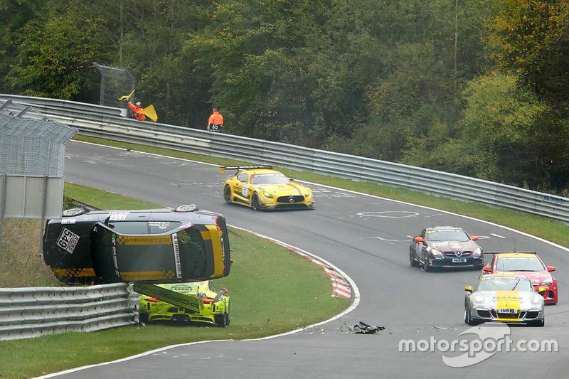 Ongeval Kevin Estre, Matteo Cairoli, Manthey Racing, Porsche 911 GT3-R, Reiner Thomas, Manfred Schmitz, BMW 318is