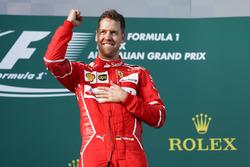 Sebastian Vettel, Ferrari celebra en el podium