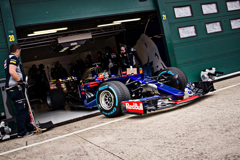 Карлос Сайнс, Toro Rosso STR12