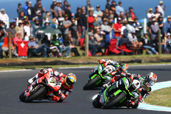 Jonathan Rea, Kawasaki Racing; Chaz Davies, Ducati Team