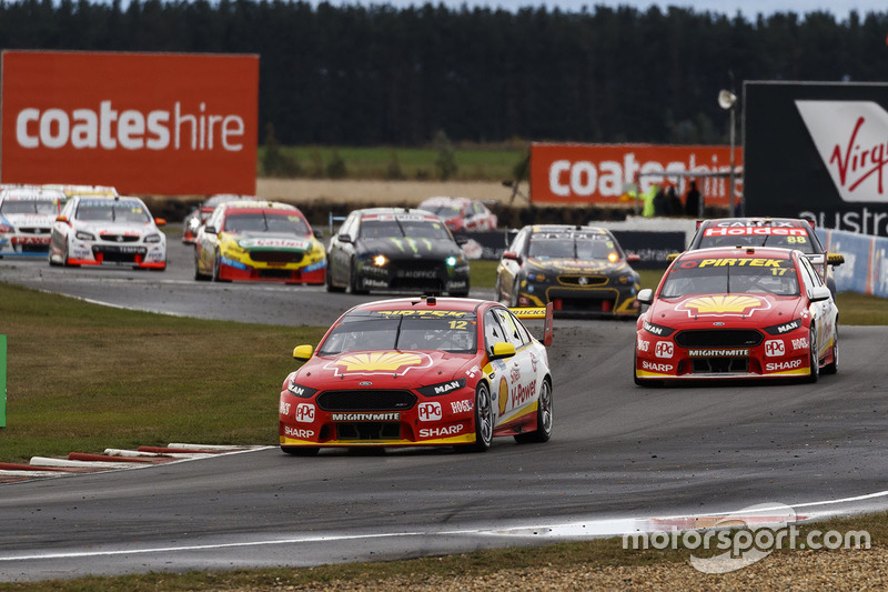 Fabian Coulthard, Team Penske, Ford; Scott McLaughlin, Team Penske, Ford