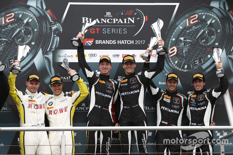 Podio: i vincitori della gara Christian Engelhart, Mirko Bortolotti, GRT Grasser Racing Team, al sec