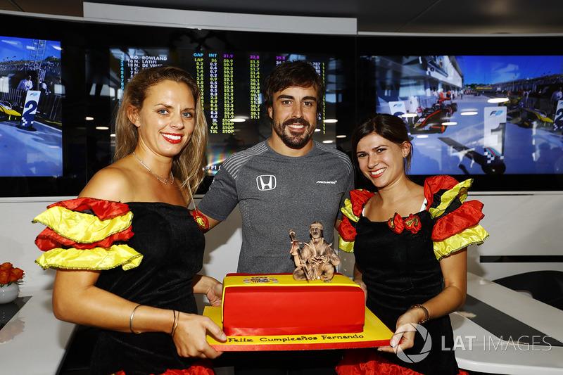 Fernando Alonso, McLaren, feiert 36. Geburtstag
