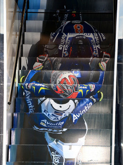 Hector Barbera, Avintia Racing motorhome escaleras