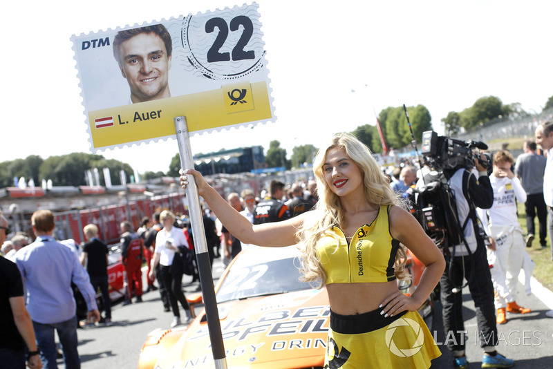 La grid girl di Lucas Auer, Mercedes-AMG Team HWA