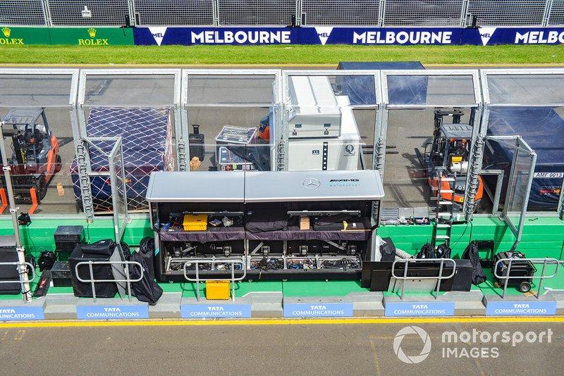 Muret des stands Mercedes AMG F1