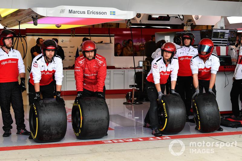 Alfa Romeo Sauber F1 Team mecánica y neumáticos Pirelli.