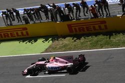 Esteban Ocon, Sahara Force India VJM10 crosses the line