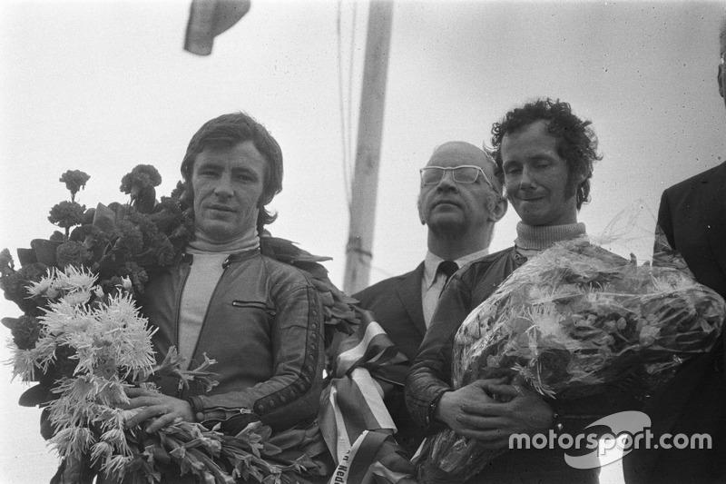 Podio: ganador carrera Angel Nieto, segundo Jan de Vries
