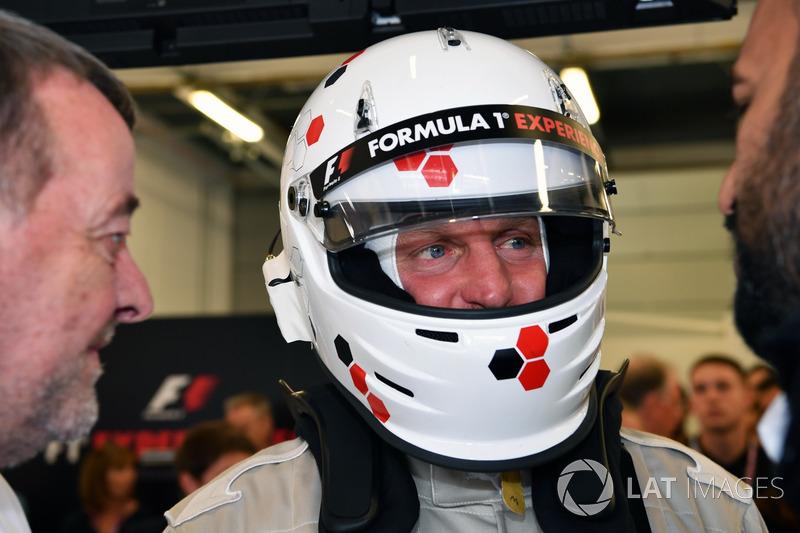 Paul Stoddart, F1 Experiences coche de 2 plazas con Woody Harrelson, Actor