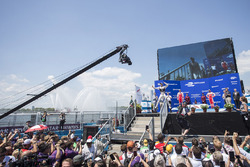 Podyum: Yarış galibi Sam Bird, DS Virgin Racing, 2. Felix Rosenqvist, Mahindra Racing, 3. Nick Heidfeld, Mahindra Racing
