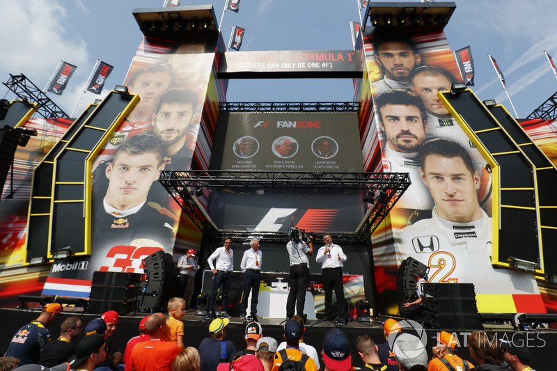 Charlie Whiting, FIA Race Director, Ross Brawn, Managing Director of Motorsports, FOM, on stage in the F1 Fanzone