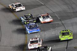 Clint Bowyer, Stewart-Haas Racing Ford, Erik Jones, Furniture Row Racing Toyota