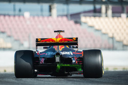 Max Verstappen, Red Bull Racing RB13 con flujo sobre la pintura del coche