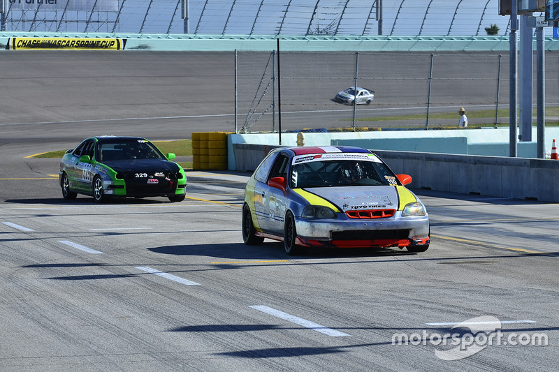 #110 MP4A Honda CRX driven by Wilbert Perez of High Temp Racing, #329 MP4C Acura Integra driven by R