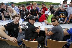 Autograph session, Harrison Newey, Van Amersfoort Racing Dallara F317 - Mercedes-Benz, Joey Mawson, Van Amersfoort Racing, Dallara F317 - Mercedes-Benz, Pedro Piquet, Van Amersfoort Racing Dallara F317 - Mercedes-Benz