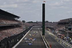 Start zum Indy 500 2017: Scott Dixon, Chip Ganassi Racing, Honda, führt