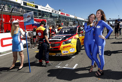 Grid girls of Tom Coronel, Roal Motorsport, Chevrolet RML Cruze TC1