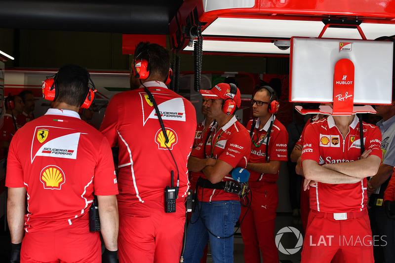 Марк Жене, Ferrari, у боксах