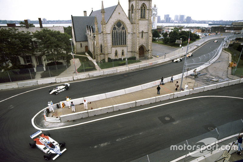 Chico Serra, Fittipaldi F8D-Ford Cosworth leads Keke Rosberg and Derek Daly, Williams FW08-Ford Cosworth
