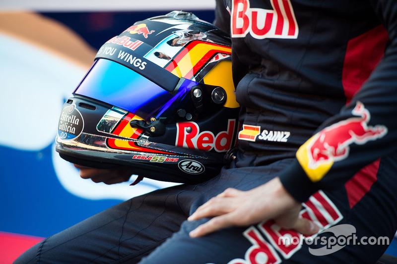 El casco de Carlos Sainz Jr., Scuderia Toro Rosso