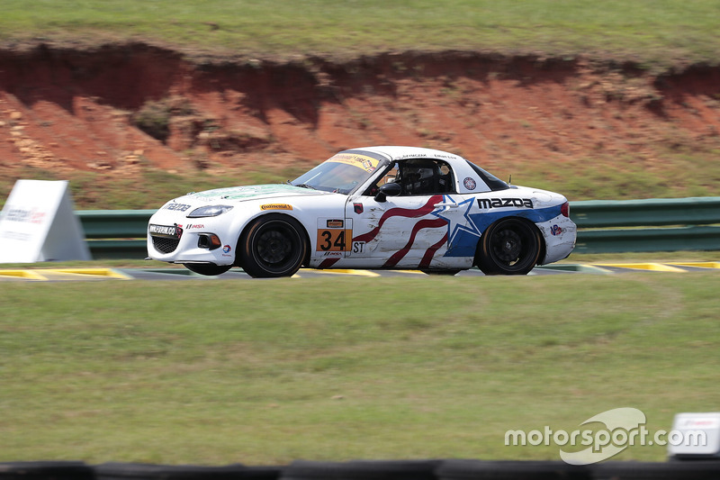 #34 Alara Racing Mazda MX-5: Christian Szymczak, Terry Borcheller