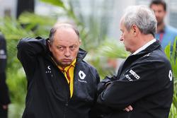 Frederic Vasseur, Renault Sport F1 Team Racing Director con Jerome Stoll, Presidente de Renault Spor