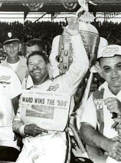 Race winner Rodger Ward