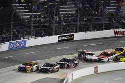 Dreher: Denny Hamlin, Joe Gibbs Racing Toyota, Ryan Blaney, Wood Brothers Racing Ford