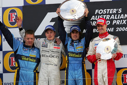 Podio: il secondo classificato Kimi Raikkonen, McLaren, il vincitore della gara Fernando Alonso, Renault F1 Team, il terzo classificato Ralf Schumacher, Toyota