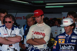 Patrick Head, Damon Hill and Alain Prost, Williams, watch the qualifying times