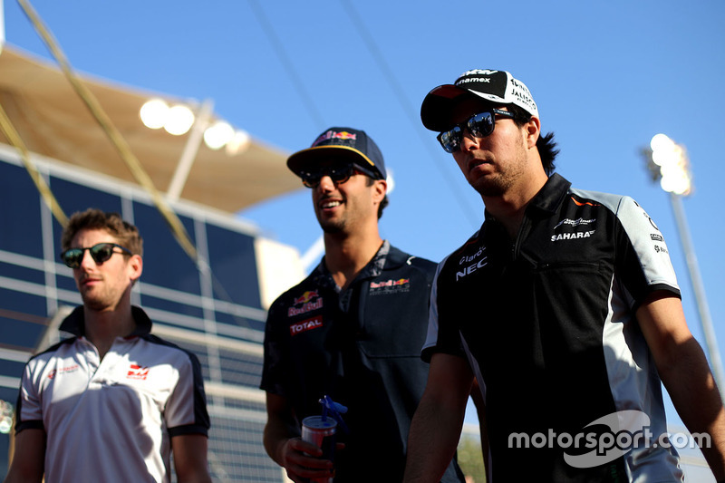 Sergio Perez, Sahara Force India F1; Daniel Ricciardo, Red Bull Racing und Romain Grosjean, Haas F1