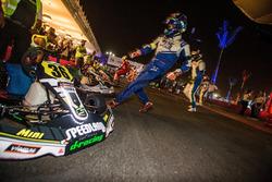 Largada estilo Le Mans das 12h de Kart