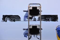 Sauber C35 modifica al muso per Spa