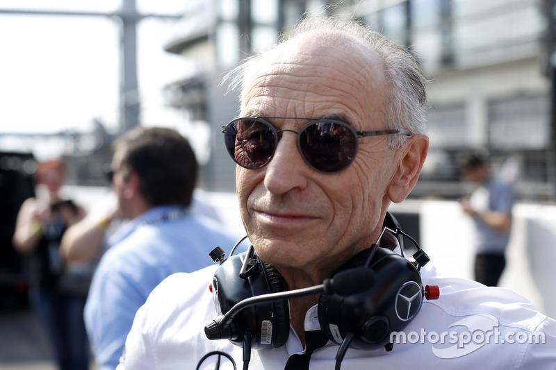 بيتر ماك، رئيس فريق موك موتورسبورت
