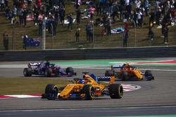 Fernando Alonso, McLaren MCL33 Renault, Stoffel Vandoorne, McLaren MCL33 Renault, and Brendon Hartley, Toro Rosso STR13 Honda