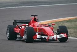 Michael Schumacher, con el nuevo 2006 Ferrari F1