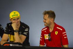 Nico Hulkenberg, Renault Sport F1 Team y Sebastian Vettel, Ferrari, en rueda de prensa