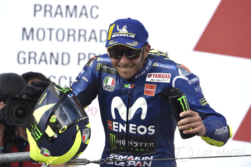 Podio: il secondo classificato Valentino Rossi, Yamaha Factory Racing