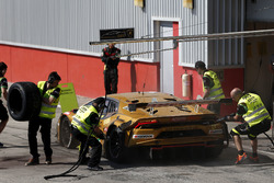 #963 GRT Grasser Racing Team Lamborghini Huracán GT3: Mark Ineichen, Roberto Pampanini, Christoph Lenz, Mauro Calamia, Rik Breukers