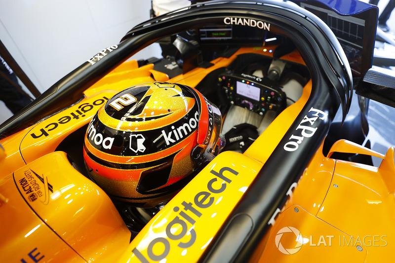 Stoffel Vandoorne, McLaren, in his ckpit