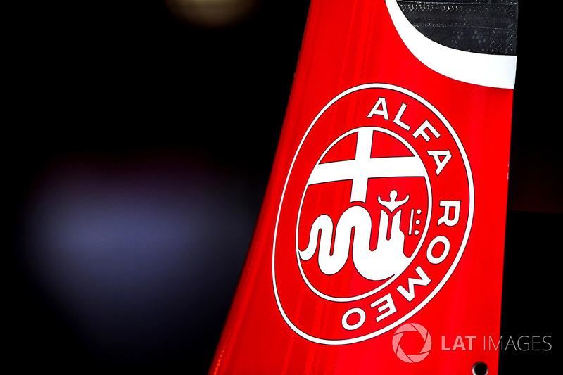 Anunciante nos carros da Ferrari desde 2015, a Alfa Romeo retornará à F1 em 2018 como parceira da Sauber.